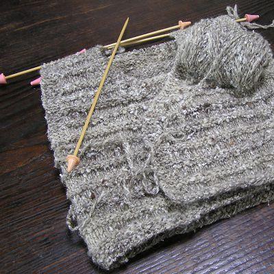 手紬の糸で編んだベスト