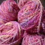 レインボー染め手紡ぎ毛糸