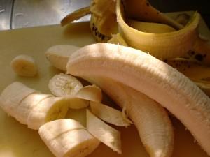 ジュース用に冷凍バナナを作る