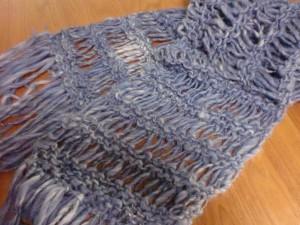 ドライブ編みのマフラー