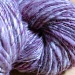 バルキー糸を紡ぐ(紫)