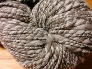 メリノのナチュラルカラー2色で双糸に