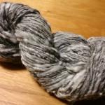 アルパカMIXの手紡ぎ糸
