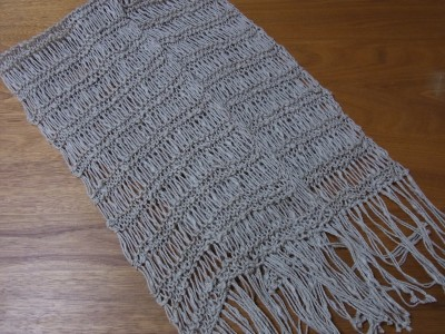 ドライブ編みのスカーフ