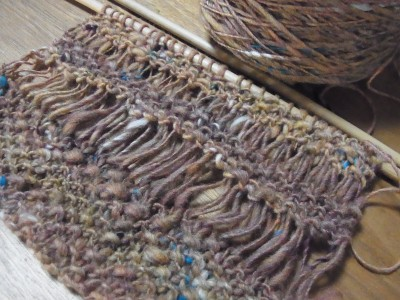 鹿の子編みとドライブ編みのマフラー