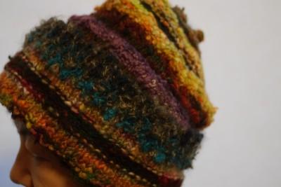 残り糸のリレーで帽子