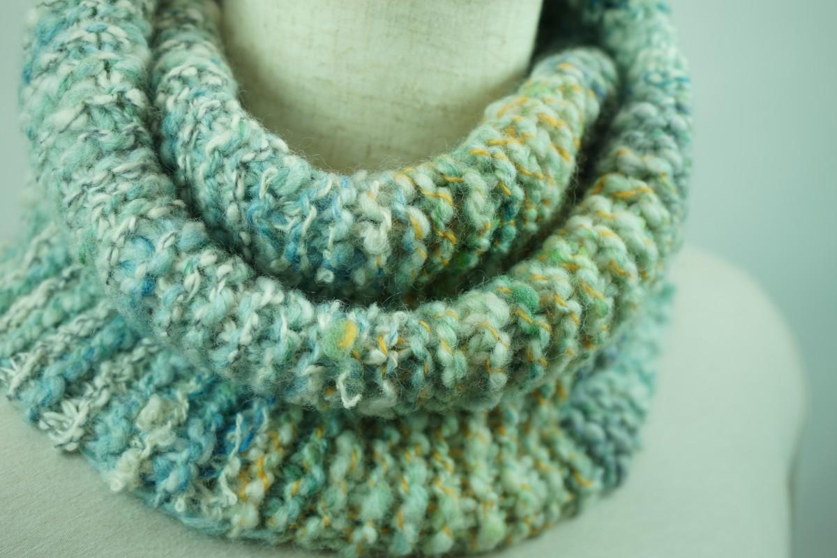 手紡ぎ糸のネッックウォーマー&帽子/淡いミントグリーンのふんわり手触り
