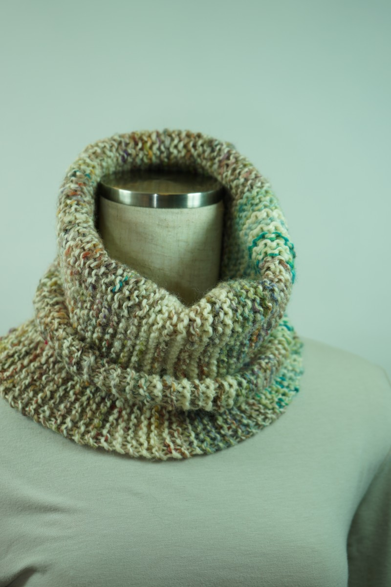 手紡ぎ糸のネックウォーマー&帽子/様々な色をツイード風に散りばめて・・・ 画像からCreema店へリンクしています。