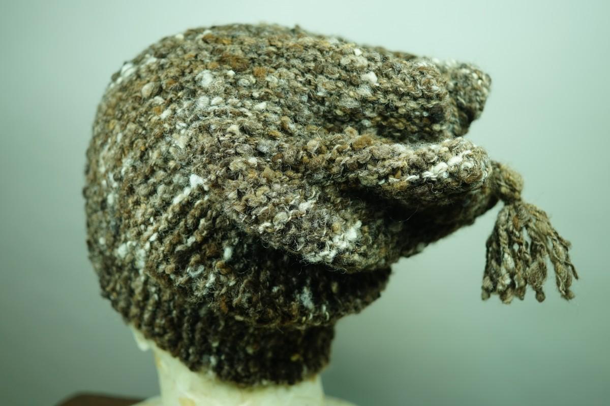 手紡ぎ糸の帽子/ゴツゴツ感のある糸にしたくて。
